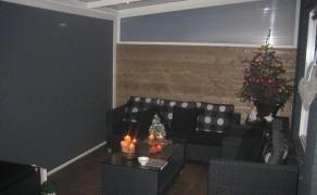 Ritz screen met houten zijwand